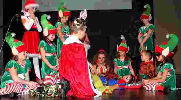 Children's Christmas Plays! - A Snow White Christmas!