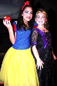 Children's Christmas Musicals and Plays - A Snow White Christmas!