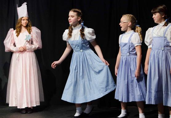 Christmas Musical for Children to Perform!  A Christmas Wizard of Oz!