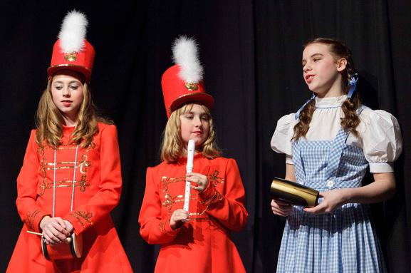 Christmas Musical Play for Kids to Perform!  A Christmas Wizard of Oz!