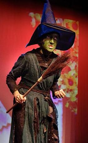 Fun Characters for Lots of Children to Perform!  The Wizard of Oz!